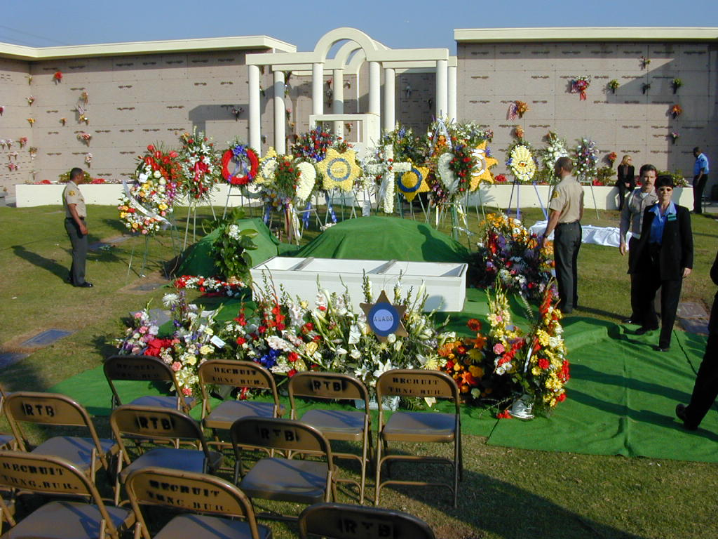 Cemetery Graveside Service Only_pic